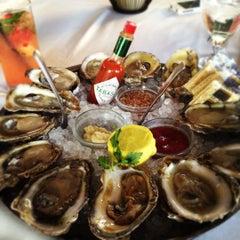 Photo taken at Eddie V's Prime Seafood by Kaiden on 6/28/2012