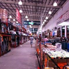 Photo taken at Bunnings Warehouse by cynix on 2/10/2012