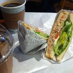 Photo taken at Joe's Sandwich & Coffee by B.H.MIN ™ on 12/23/2011