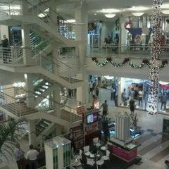 Photo taken at Shopping Praia da Costa by Luis G. on 12/13/2011