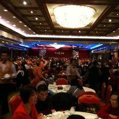 Photo taken at Jing Fong Restaurant 金豐大酒樓 by Cheryl C. on 2/19/2011