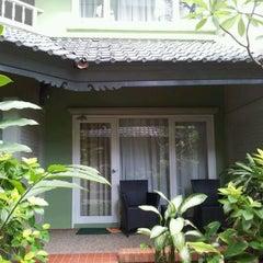 Photo taken at Harris Resort by Rey M. on 11/10/2011