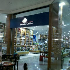 Photo taken at Livrarias Curitiba by Gustavo M. on 9/1/2011