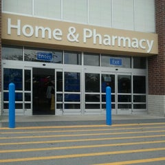 Photo taken at Walmart Supercenter by Ronda L. on 9/20/2011