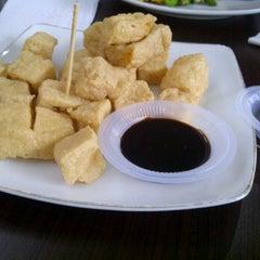 Photo taken at Tong Tji Tea House by Bambang L. on 1/29/2012