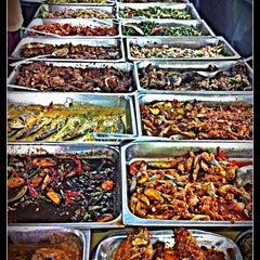 Photo taken at Restoran Soto Shah Alam by Faiez F. on 3/17/2012