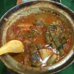 Photo taken at Taman Jurong Market & Food Centre by JHANG A. on 3/27/2011