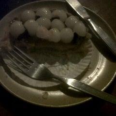 Photo taken at De Cafe (Ruko Bandar) by Ibank L. on 10/30/2011