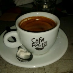 Photo taken at Café do Porto by Làura S. on 5/18/2012