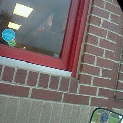Photo taken at Arby's by Jasmine L. on 9/19/2011