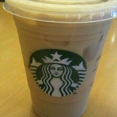 Photo taken at Starbucks by Arnie O. on 8/13/2011