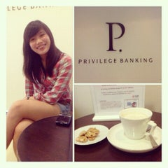 Photo taken at UOB Privilege Banking Centre by Ginger L. on 6/5/2012