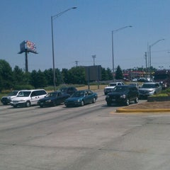 Photo taken at Greater Chicago I-55 Auto/Truck Plaza by Carl T. on 6/27/2012