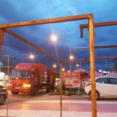 Photo taken at ทรายจิ้มจุ่ม มมส by รักชาติ แ. on 7/13/2012