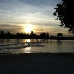 Foto tirada no(a) Colosso Wake Park por Deborah L. em 5/5/2012
