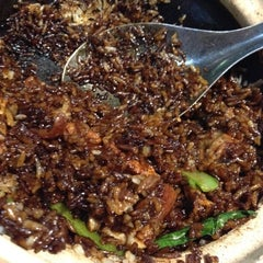 Photo taken at Yuan Yuan Claypot Rice by Serene H. on 5/3/2012