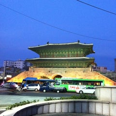 Photo taken at 동대문종합시장 (Dongdaemun Market) by JiHye on 10/19/2011