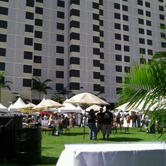 Photo taken at Downtown Food and Wine by Ariel C. on 1/22/2012