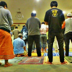 Photo taken at Surau KLCC by Aiman Zhafransyah on 3/10/2012