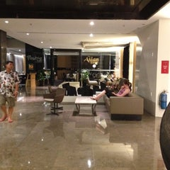 Photo taken at Horizon Hotel by Eddy A. on 7/25/2012