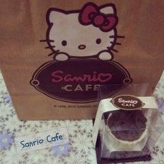 Photo taken at Sanrio Café by Eliane Mika M. on 3/28/2012