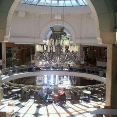 Photo taken at Patio Bullrich by Altino G. on 1/25/2011