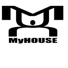 Photo taken at MyHOUSE Sports Gear by MyHOUSE Sports Gear on 1/2/2012