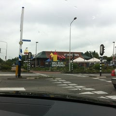Photo taken at McDonald's by Greet L. on 6/13/2011