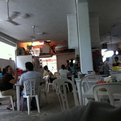 Photo taken at Tacos Pacos by Pedro E. on 7/22/2011