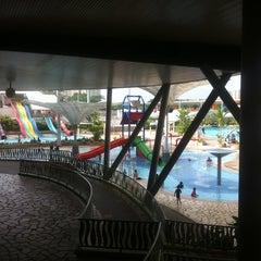 Photo taken at Sengkang Swimming Complex by Dewi Yus on 1/23/2011