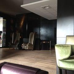 Photo taken at Van der Valk Airporthotel Düsseldorf by Denise E. on 6/22/2012