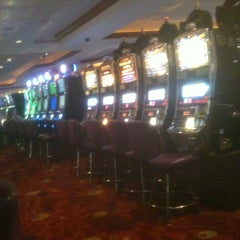 Photo taken at Harrah's Joliet Hotel & Casino by Kirk A. on 5/26/2012
