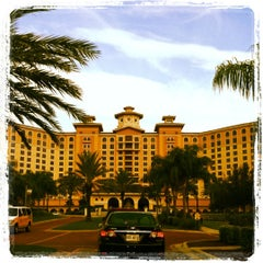 Photo taken at Rosen Shingle Creek Hotel by Stephen H. on 8/23/2012