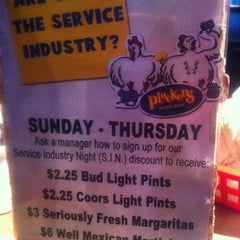 Photo taken at Pluckers by Metoya D. on 1/1/2012