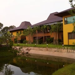Photo taken at ภูสักทอง รีสอร์ท by Karn T. on 4/21/2012