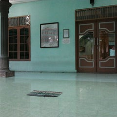 Photo taken at Mesjid Asy-Sifa' by Muhammad Raichan R. on 1/10/2012