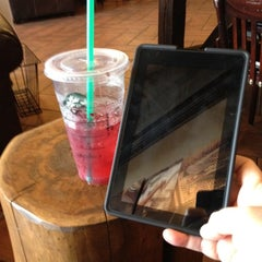 Photo taken at Starbucks by Ronda R. on 7/15/2012