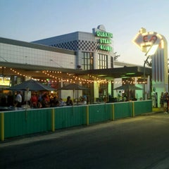 Photo taken at Quaker Steak & Lube® by David on 8/8/2012