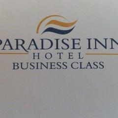 Photo taken at Paradise Inn by Mel V. on 8/14/2012
