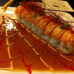 Photo taken at Sushi Raw by Bela K. on 1/3/2011