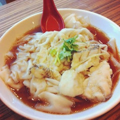 Photo taken at Max Gourmet (美食之家) by Raeann on 4/8/2012