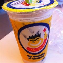 Photo taken at Mr.Shake (มิสเตอร์เชค) by Thanyalak I. on 2/24/2012