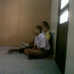 Photo taken at โรงเรียนนวมราชานุสรณ์ จ.นครนายก by La Ong Fong on 12/8/2011