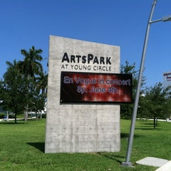 Photo taken at Young Circle-ArtsPark by 'Mark's List Mark .. on 5/8/2011