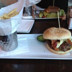 Photo taken at Plan B Burger Bar by Vonetta S. on 7/24/2012