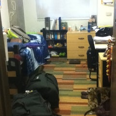 Photo taken at Taylor Place Residence Hall by Maddi on 8/4/2012