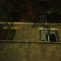 Photo taken at Edificio al que le quitaron los balcones... by DRB on 9/29/2011