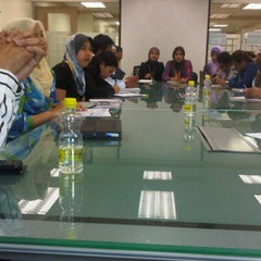 Photo taken at Spura Mtg Room @ ITTP, 6th Flr by ♛-∂ÑƝă_Ƨ'ӃĻ®™©-♛ on 9/13/2011
