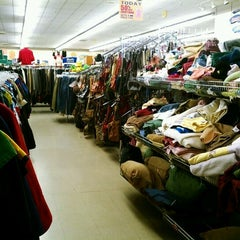 Photo taken at Mountain Thrift Store by Li L. on 2/13/2012