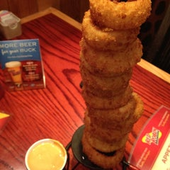 Photo taken at Red Robin Gourmet Burgers by Joy M. on 6/27/2012